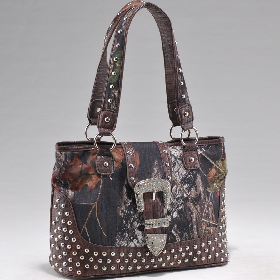 Mossy Oak® Arctic Camo Studded Lower Croco Trim Tote