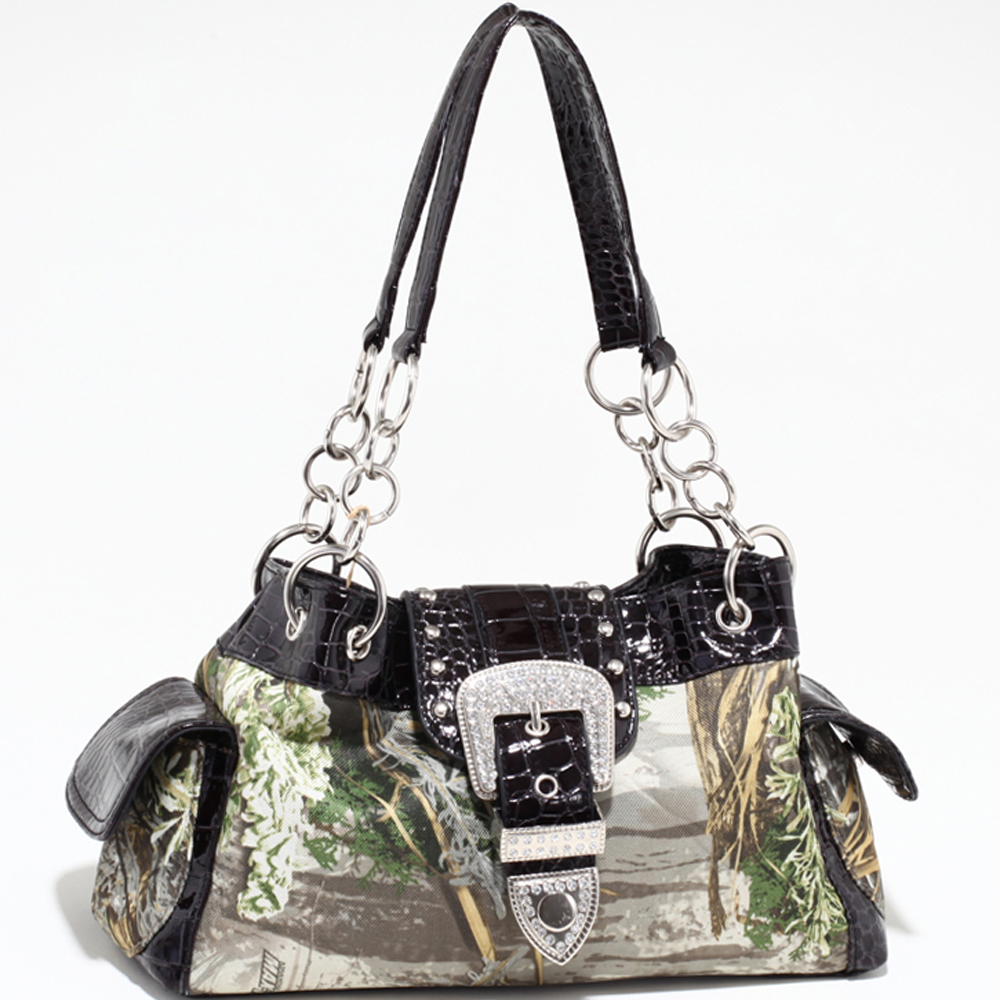 Realtree® Chase Chained Shoulder Bag