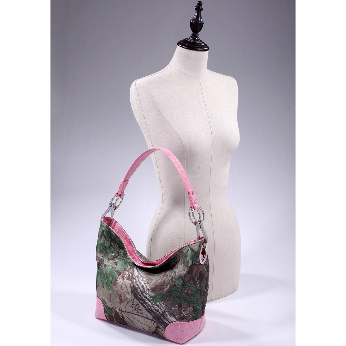 Dasein® Tote Bag in Realtree® Camouflage- XG Camo/Light Pink Faux Croc Trim
