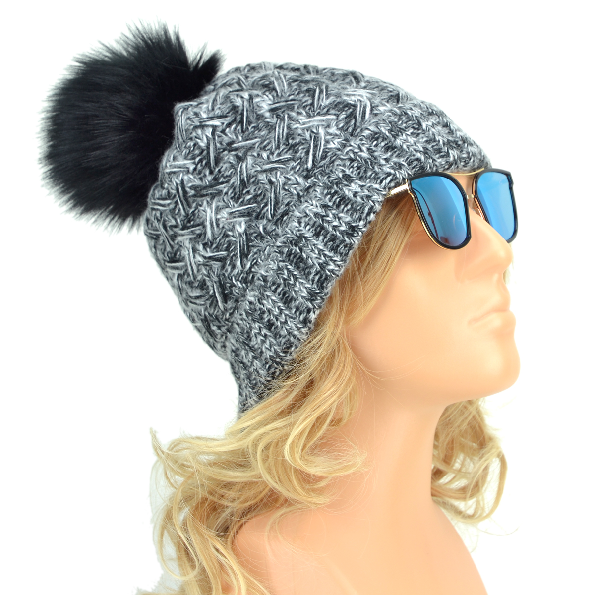 Women's Crochet Pattern Thick Cable Knit Design Fur Hat Winter Hat with Fur PomPom